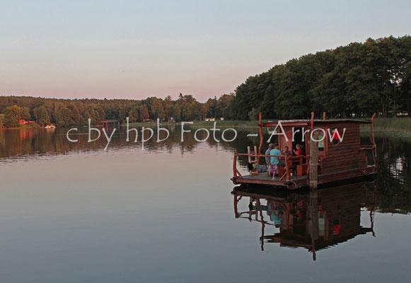 Mecklenburg-Vorpommern Morgenidyle auf dem Floss