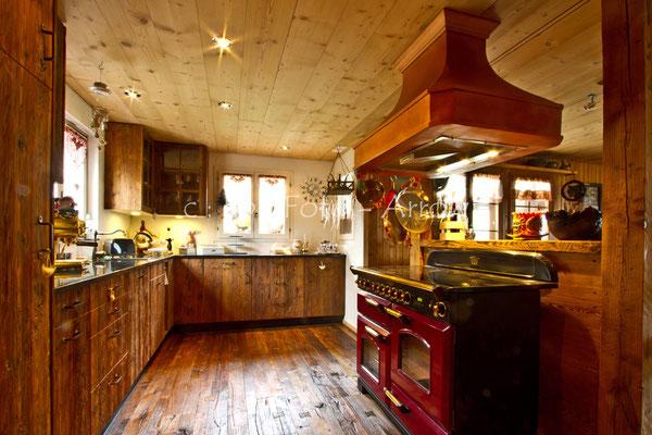 Nostalgieküche aus echtem Altholz. Hersteller: Küchen-Türen.ch