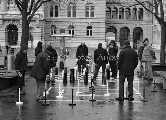 Schach und Mühlespiel auf dem Bärenplatz, vor dem Budesplatz, Bern