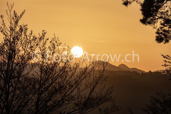 Naturpark Gantrisch, Sonnenuntergang, Wechsel von der goldenen Stunde zur blauen Stunde