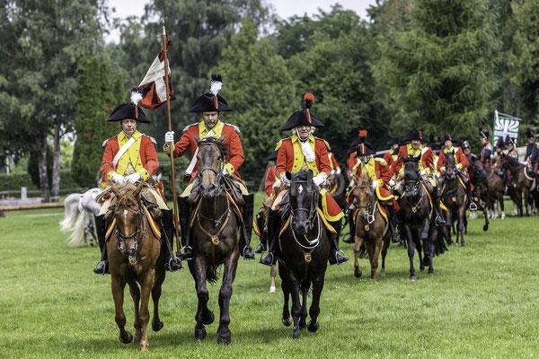Der Fähnrich, Berner Dragoner 1779, die Ehrenformation des Staates Bern, zum 30-jährigen Jubiläum im NPZ, Nationales Pferdezentrum Bern