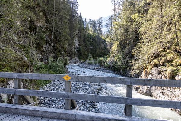 Gasterental Wanderweg über die Kander Brücke