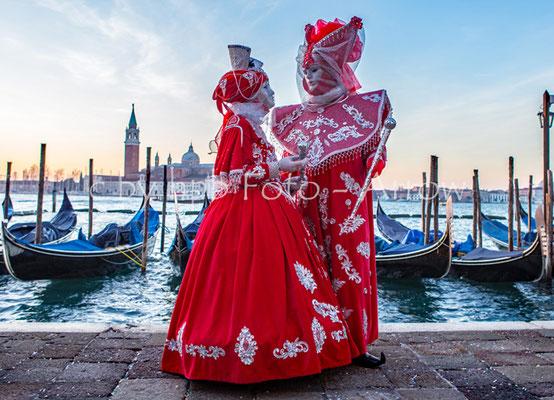 Venedig, Karneval, eines der vielen wunderschönen Kostüme zum Karnevale
