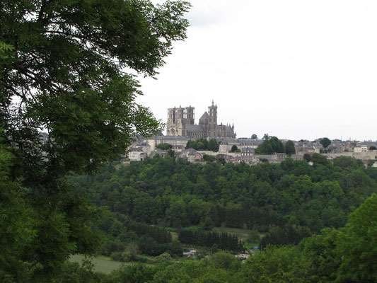 Laon cité médiévale vue depuis la cuve St Vincent