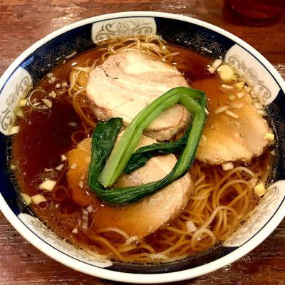 支那麺はしごの太肉麺