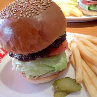 ブラザーズ新富町のハンバーガー