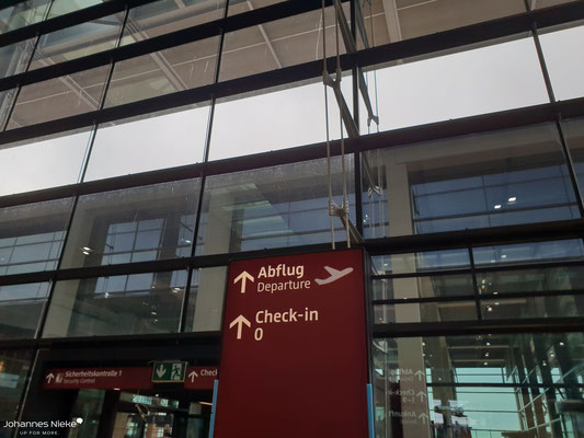 Terminal, Ebene E1 (Abflug), Blick in Richtung eines nördlichen Erweiterungsbaus (Check-in 0)