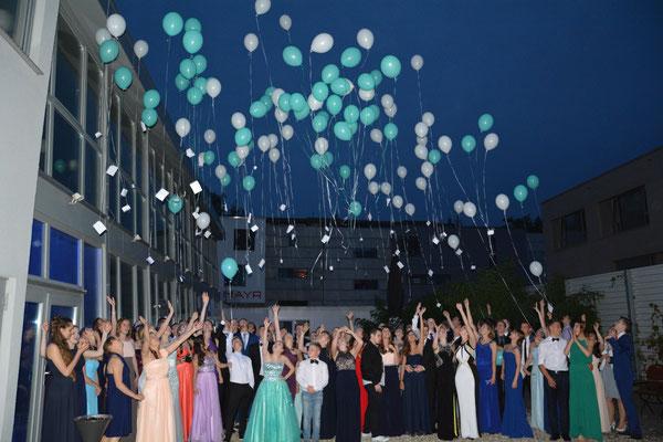 Ballons mit Zukunftswünschen