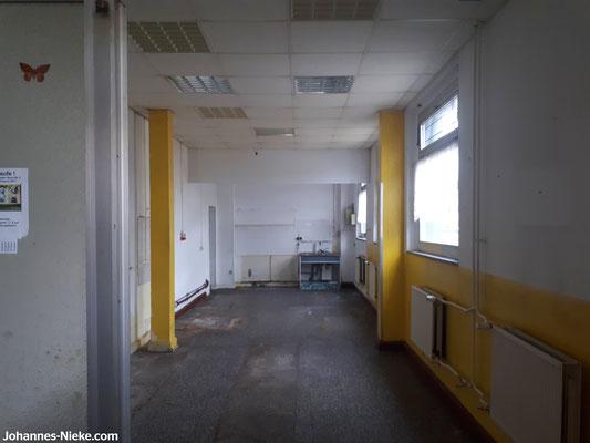 Innenansicht der ehemaligen Bäckerei an der Kaufhalle (zuletzt bis ca. 2013 Bäckerei Wahl)