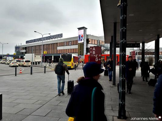 Startpunkt der Reise: Flughafen Berlin-Schönefeld SXF