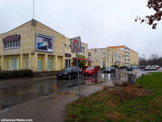 Einfahrt in die Albert-Kuntz-Straße