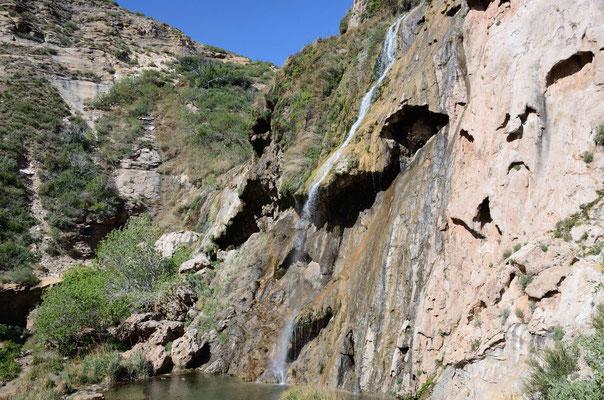 Ein Wasserfall mitten in der Wüste