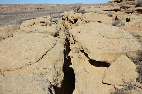 Nächster Tag: Aufstieg hoch auf die Canyonwand durch einen ziemlich schmalen, steilen Schlitz