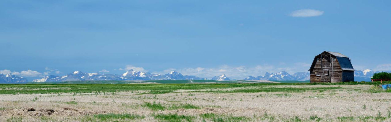 Die Rockies tauchen am Horizont auf