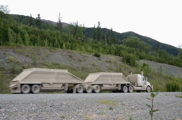 Typische kanadische Roadtrains
