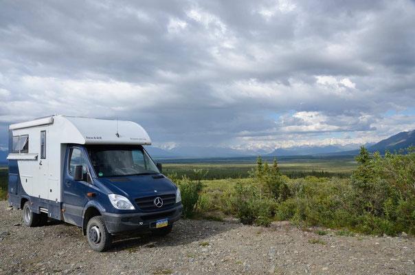 Schlafplatz mit grandiosem Panorama (auf die Alaska-Range)