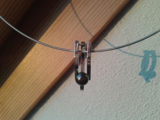 Zilveren hanger met zoetwaterparel, verkocht.