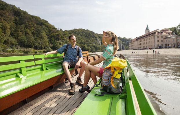 Übersetzen mit der Zille zum Kloster Weltenburg © Tourismusverband Ostbayern e.V., Fotograf Stefan Gruber