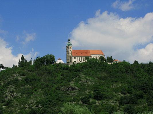 Pfarr- und Wallfahrtskirche Mariä Himmelfahrt auf dem Bogenberg © Stadt Bogen
