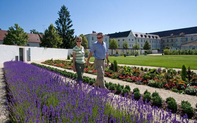 Prälatengarten der Benediktinerabtei Metten_copyright