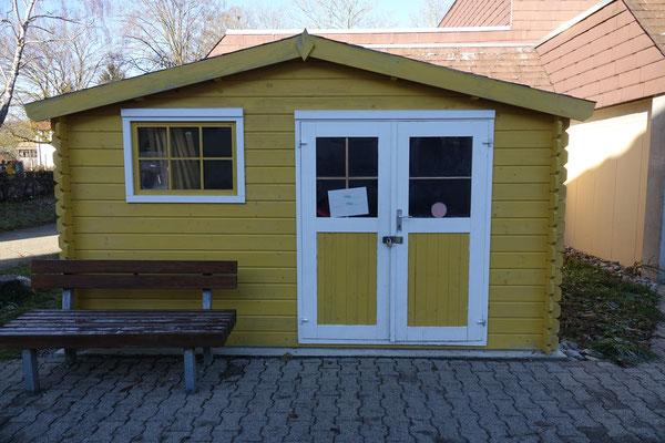 Spielzeughütte für Pausengeräte