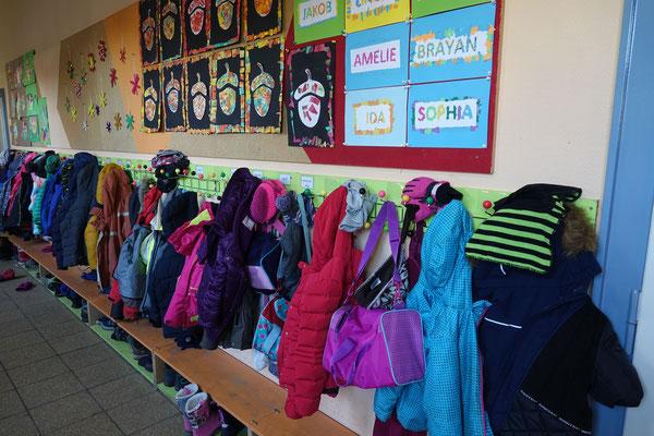 Garderobe der Schüler