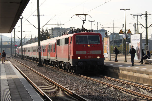 28.11.2016 RE 19036 in Richtung Stuttgart, in Böblingen