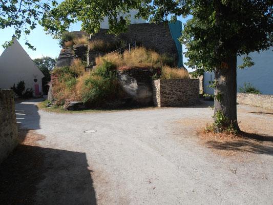 Der Innenhof der Burg Sterrenberg