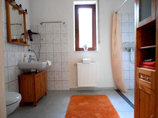 """Badezimmer """"Afrika"""" mit Fenster"""