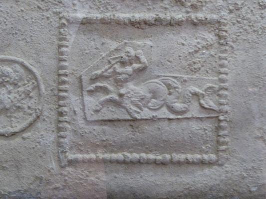 Doornik - Musée d'Archeologie - zeecentaur op de loden kist van koning Childerik I - 400 na Christus