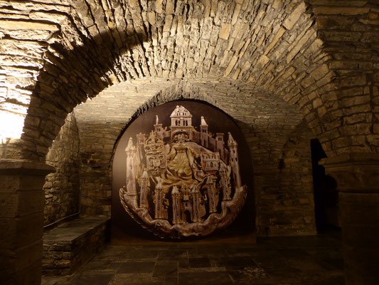 Doornik - Sint-Maartensabdij - de zilveren speld van de Jonkerbroederschap van de Damoiseaux