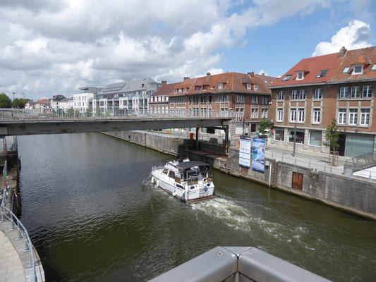 Tournai - De Schelde met het bootje 'Sunbird'