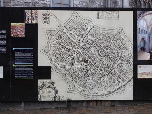 Doornik - bouwafscheiding rond de Onze-Lieve-Vrouwe Kathedraal - Tornacum in de middeleeuwen.