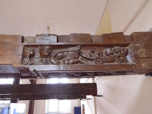 Doornik - Musée d'Archeologie - de ratelende nar trekt het ratelende narrenschip