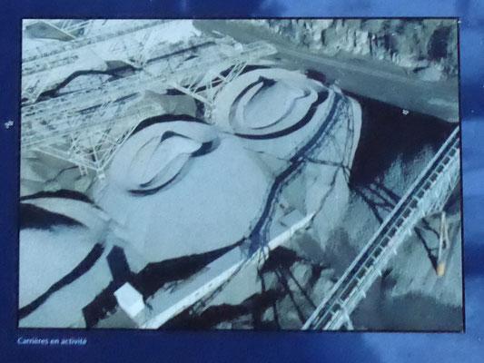 Antoing - een moderne kalkgroeve in werking - foto van een infobord