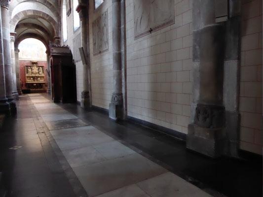 De Romaanse basementen in de zuidbeuk van de Abdijkerk van Rolduc