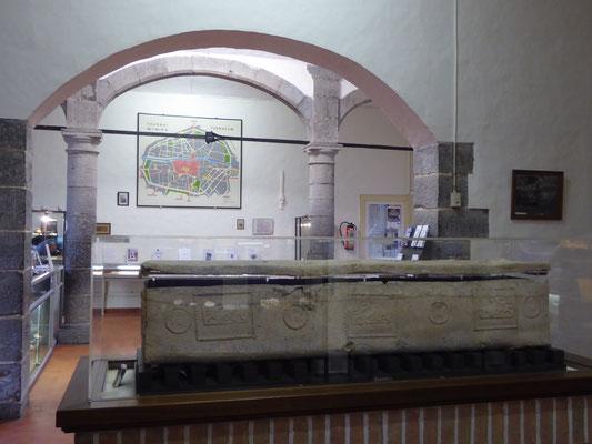 Doornik - Musée d'Archeologie - loden kist van koning Childerik I  - 400 na Christus