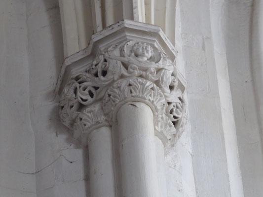 Stevenskerk - kapiteel kopje met tritonen