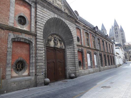 Tournai - Académie des Beaux-Arts et des Arts Décoratifs in de Rue de l'Hôpital Notre Dame