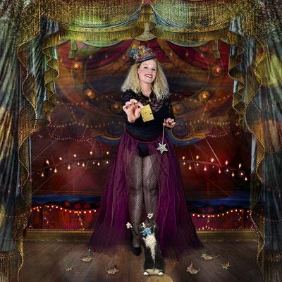 Mademoiselle Fanny, mit ihrer märchenhaften Katz-und Maus-Show