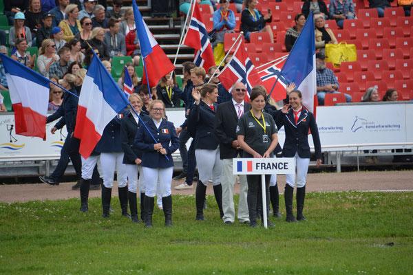 L'Equipe pendant la cérémonie d'ouverture