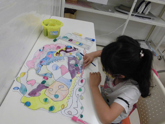 音楽を聴いて絵を描こう TOCAこどもアート