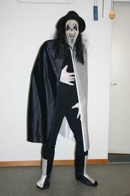 SCREAM, Fr. 38.- Umhang, Stiefelstulpen, Maske, Handschuhe