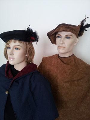 Mittelalte,r Hut und Umhang