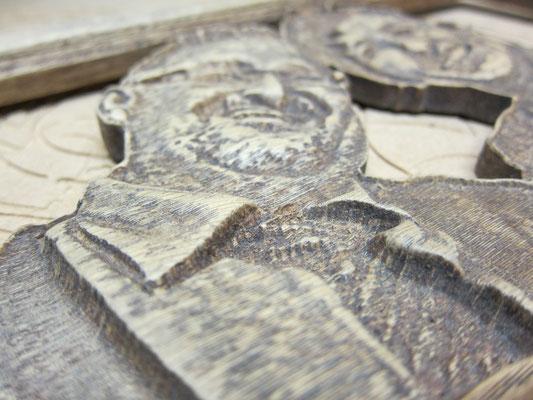 Bild in Holz eingearbeitet / kreativ-fraesen.de
