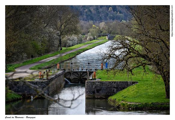 Canal du Nivernais - Yonne © Nicolas GIRAUD