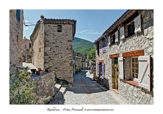 Rochebrune - Drôme Provençale © Nicolas GIRAUD
