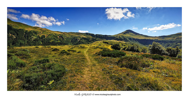 GR400 Niermont - Puy Mary - Monts du Cantal © Nicolas GIRAUD