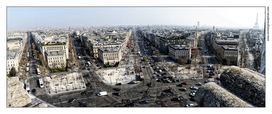 Paris Champs Elysées © Nicolas GIRAUD