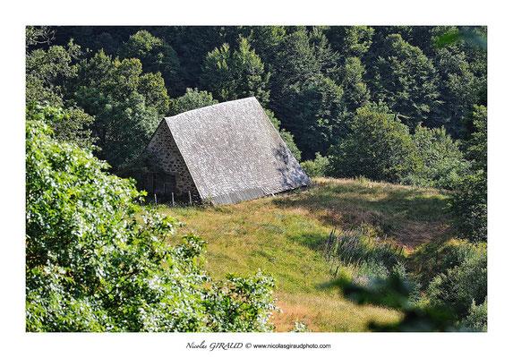Buron - Monts du Cantal © Nicolas GIRAUD